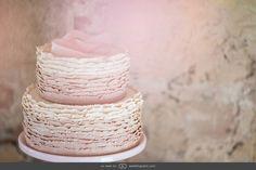 Two-tiered ruffle cake in pastels #GOWS #platinumlist #weddingstyle #graceormonde #luxuryweddings