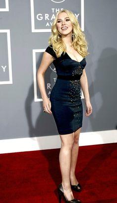 Scarlett Johansson, Beautiful Celebrities, Beautiful Actresses, Black Widow Scarlett, Black Widow Marvel, Jennifer Connelly, Female Stars, Elizabeth Olsen, Look At You