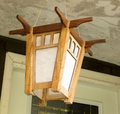 Solar Light Lantern, easy to make and turns itself off an on according to ambient light