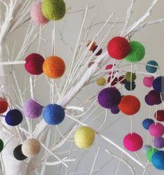 Разноцветные чувствовал мяч гирлянды, 2 см, 20 футов 6.1 м 100 шерстяной войлок шары, 100% шерсть, Девушки номер, Девушки питомник