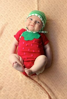 DIY: Easy No-Sew Baby Strawberry Halloween Costume