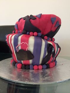 My first Topsy turvy cake for my nieces 13th birthday