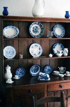Be still my heart.  Love blue and white china and an antique hutch.