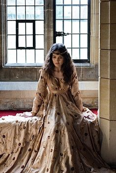the fifth child and youngest child of King Theodoric and Queen Aurae. Medieval Gown, Medieval Costume, Medieval Fantasy, Medieval Life, Medieval Fashion, Medieval Clothing, Historical Costume, Historical Clothing, Mode Renaissance
