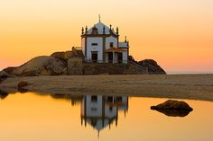 da Pedra, Miramar - Portugal - a church on the beach. Wonderful Places, Great Places, Beautiful Places, Places To Visit, Porto Portugal, Visit Portugal, Places Around The World, Around The Worlds, Portugal Holidays