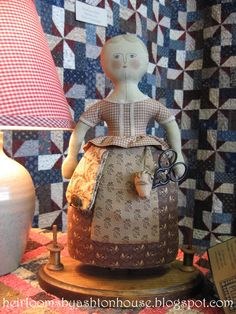 Heirlooms by Ashton House: REDISCOVERING UFOs  Adorable but not a pattern...just a kit