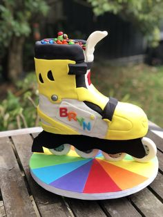 Rainbow roller blade cake, 3D rollerblade cake Cool Birthday Cakes, Birthday Cake Girls, 9th Birthday, Roller Skate Cake, Skate Party, Girl Cakes, Homemade Cakes, Rollers, Cake Art