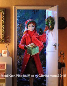 I'm home, Merry Christmas! Vintage Barbie Kleidung, Vintage Barbie Clothes, Christmas Barbie, Christmas Fashion, Christmas Time, Merry Christmas, Christmas Greetings, Fashion Royalty Dolls, Fashion Dolls