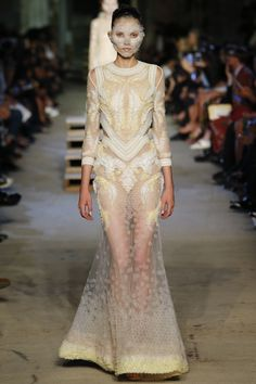 Givenchy Spring/Summer 2016 Collection (Women's)