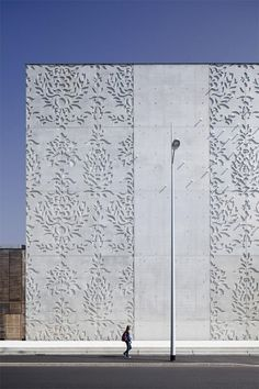 Pattern on Pre-Cast Concrete, Saint Nazaire Theatre I K-Architectures Architecture Restaurant, Architecture Design, Concrete Architecture, Architecture Awards, Facade Design, Contemporary Architecture, Wall Design, Concrete Facade, Precast Concrete