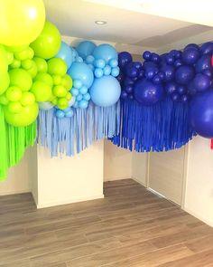 Y solo es el principio de la fiesta ! Pienso que una estructura en decoración, tiene que ser importante e impactante porque es el marco… Balloon Backdrop, Balloon Wall, Balloon Garland, Birthday Balloon Decorations, Birthday Balloons, Birthday Parties, Deco Ballon, Balloons Galore, Balloon Arrangements