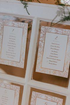 Ideias simples e criativas para criar o vosso seating plan!   #casamento #inspiração #ideias #seatingplan #tema #criatividade #copodeágua #convidados #casamentospt Seating Plans, How To Plan, Weddings, Creativity, Ideas, Organizers