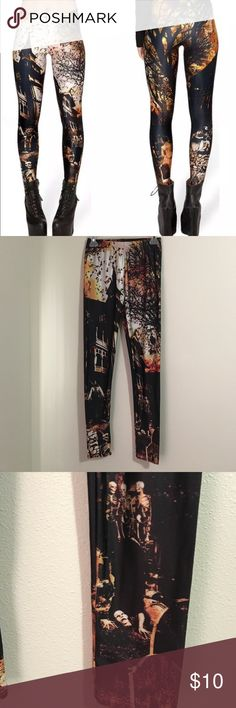 Spooky Leggings Lotus leggings. Size is a large but would fit a medium better.88% polyester 12% elastane. NWT Lotus Leggings Pants Leggings