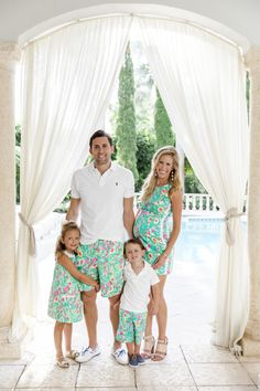 Lilly Pulitzer's Guac & Roll Launch Preppy Baby Girl, Preppy Family, Preppy Kids, Preppy Outfits, Boho Outfits, Girl Outfits, Preppy Style, Family Picture Outfits, Couple Outfits