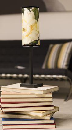 Il lume Victor è bellissimo anche come mero complemento d'arredo. Accendilo per donare un'atmosfera più romantica alla tua casa ^_^ www.reever.it