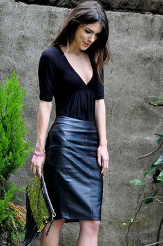 Maritsa wearing a Sisley blouse, Zara shoes, Style Stalker skirt and Angel Jackson bag