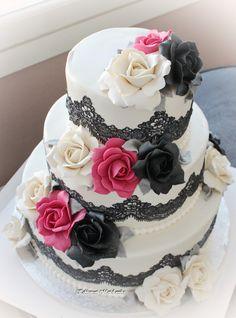 Hääkakku, pinkin pilkahdus  Wedding Cake, splash of pink