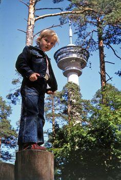 Vuosi 1975 ja Näsinneula. #särkänniemi #sarkanniemi #näsinneula #tampere