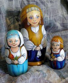 Three Matryoshkas - Russian nesting dolls. #Russian #folk #art #matryoshka