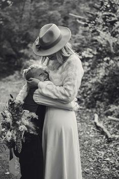 #photographie #photography #mariage #wedding #boheme #nature #manondebeurmephotographe Maxime, Cowboy Hats, Nature, Photography, Wedding, Fashion, Valentines Day Weddings, Moda, Naturaleza