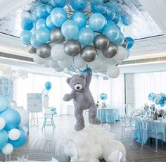 Shower Favors And Prizes Baby shower centerpiece idea - balloons and girant floating bear - so cute!Baby shower centerpiece idea - balloons and girant floating bear - so cute! Deco Baby Shower, Baby Shower Balloons, Shower Party, Baby Shower Parties, Baby Shower Boys, Boy Baby Showers, Led Balloons, Baby Boy Balloons, Cloud Baby Shower Theme