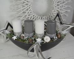 Hello everybody! We offer you a nice Advent arrangement in a box. - - Hello everybody! We offer you here a nice Advent arrangement in a bowl. A bowl of shale (boat, oval) with 4 candles (candle burners) were made with rhinestones and . Christmas Home, Christmas Wreaths, Christmas Crafts, Christmas Ornaments, Christmas Centerpieces, Outdoor Christmas Decorations, Diy Crafts To Do, Advent Wreath, Deco Table