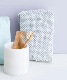 Diagonal Check Wash Bag. | http://www.huntingforgeorge.com