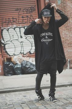Street fashion [black] ; Without the cigarette for the one that we'll be mine. | Raddest Looks On The Internet: http://www.raddestlooks.net