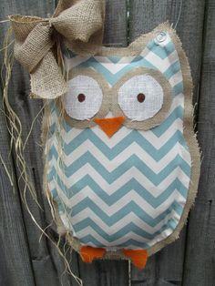 Owl burlap door hanger door decoration mixed media chevron p Fabric Crafts, Sewing Crafts, Sewing Projects, Craft Projects, Owl Classroom, Classroom Decor, Classroom Organization, Crafts For Girls, Arts And Crafts