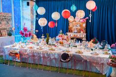 alice-in-wonderland-dessert-table