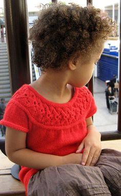 Little Tulip is a seamless sweater worked from the top down. A sideways tulip pattern yoke is made first, and it is worked together with an i-cord neckband. Sweater Knitting Patterns, Knitting Yarn, I Cord, Red Tulips, Knitting For Kids, Knitting Ideas, Girls Sweaters, Baby Patterns, Knit Crochet