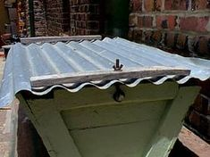 Peter Gibb - Top Bar Beehives how to secure roof against strong wind Top Bar Bee Hive, Strong Wind, Bee Keeping, Outdoor Furniture, Outdoor Decor, Website, Table, Bees, Design
