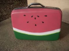 Such a cute suitcase. I might have to do this at some point, Keeping my eyes peeled for a green or pink suitcase