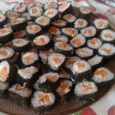 Sushi de salmão com cream cheese