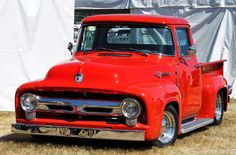 Ford 56, 1956 Ford Truck, Ford Pickup Trucks, Hot Rod Trucks, Cool Trucks, Truck Bed Extender, 1956 Ford F100, Classic Pickup Trucks, Panel Truck