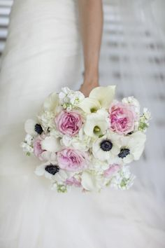 navy and pink wedding - I adore how washed out the colors in the flowers are.