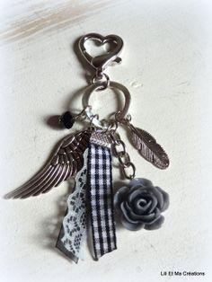 """Bijou de sac, porte-clés Grigri Lili et Ma Créations """"Une fleur pour maman"""" : Autres bijoux par lili-et-ma-creations"""
