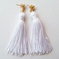 brinco tassel branco - bijoux gloss shop