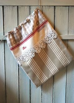 """Items similar to Vichy bread bag, old tea towel and beige stripes, old lace """"Bread"""" embroidery, Shabby chic cottage kitchen decoration gift on Etsy - Beige striped bread bag and antique tea towel by AuFildAntan Fabric Crafts, Sewing Crafts, Sewing Projects, Bread Bags, String Bag, Couture Sewing, Fabric Bags, Vintage Bags, Vintage Handbags"""