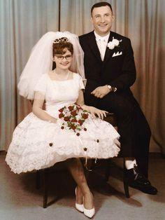 Super old fashion dresses vintage gowns ideas Vintage Gowns, Vintage Bridal, Vintage Outfits, Vintage Weddings, Wedding Bride, Wedding Gowns, Wedding Attire, Wedding Couples, Wedding Bells