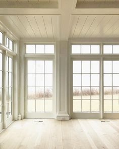 75 Cozy Modern Farmhouse Sunroom Decor Ideas - Home Floor To Ceiling Windows, Windows And Doors, Sunroom Windows, Home Windows, Wall Of Windows, Dining Room Windows, Large Windows, Exterior Windows, Double Hung Windows