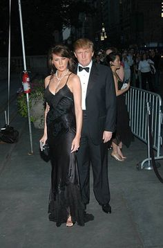 Melania Knauss and Donald Trump during 2004 CFDA Fashion Awards - Outside Arrivals at New York Public Library in New York City, New York, United States. Get premium, high resolution news photos at Getty Images Malania Trump, John Trump, Donald Trump, Trump Picture, Trump Photo, Milania Trump Style, Donald And Melania, First Lady Melania Trump, Ivanka Trump