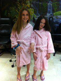 Hair and make- up for girls . Birthday parties for kids in NYC