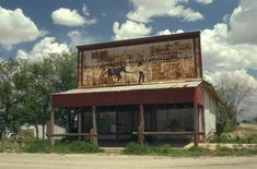 """Cochise, AZ - it's not really a """"ghost town"""" actually people live there - and their is a school, post office and this is where I grew up! Ghost Towns In Arizona, Bisbee Arizona, Old Abandoned Buildings, Dark House, Unique Architecture, Westerns, Places To Visit, Dry Heat, Post Office"""