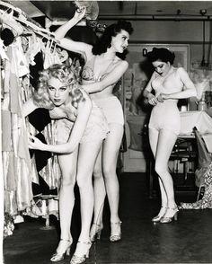 1940s Showgirls