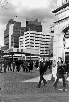 Gezicht op de lijnbaanplein 1976
