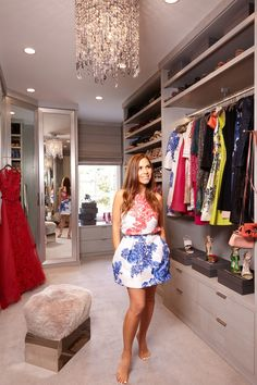 Take A Tour Of Designer Monique Lhuillier's Closet  - ELLEDecor.com