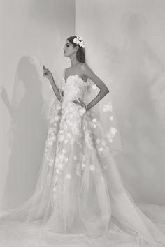 Delphine Manivet ouvre sa boutique en ligne de robes de mariée   Le Figaro Madame