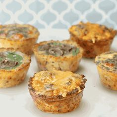 Would you meal prep with these? These Cauliflower Crust Egg Cups Are An Easy Grab-And-Go Breakfast Keto Breakfast Smoothie, Ketogenic Breakfast, Breakfast Cups, Breakfast Items, Low Carb Breakfast, Free Breakfast, Breakfast Recipes, Healthy Eating Recipes, Low Carb Recipes