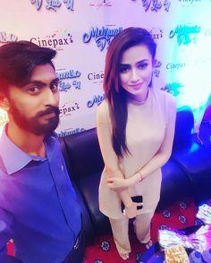 Beautiful Sana Javed with Fan Of The Film Promotion at the Cinepax, Jinnah Park, Rawalpindi! #Beautiful #Cutest #PrettyGirl #SanaJaved #FilmPromotion #MehrunisaVLubU #PakistaniFashion #PakistaniActresses #PakistaniCelebrities  ✨